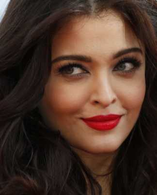 French President Hollande will launch with Aishwarya Rai
